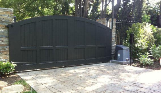 black automatic driveway gate