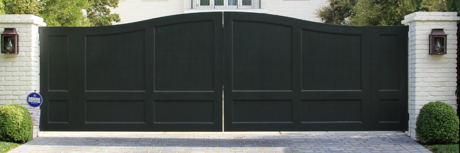 Black Wood Driveway Gate