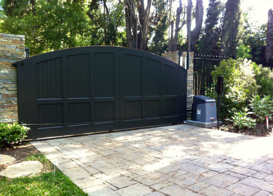 Guide to manual automatic driveway gate repairs